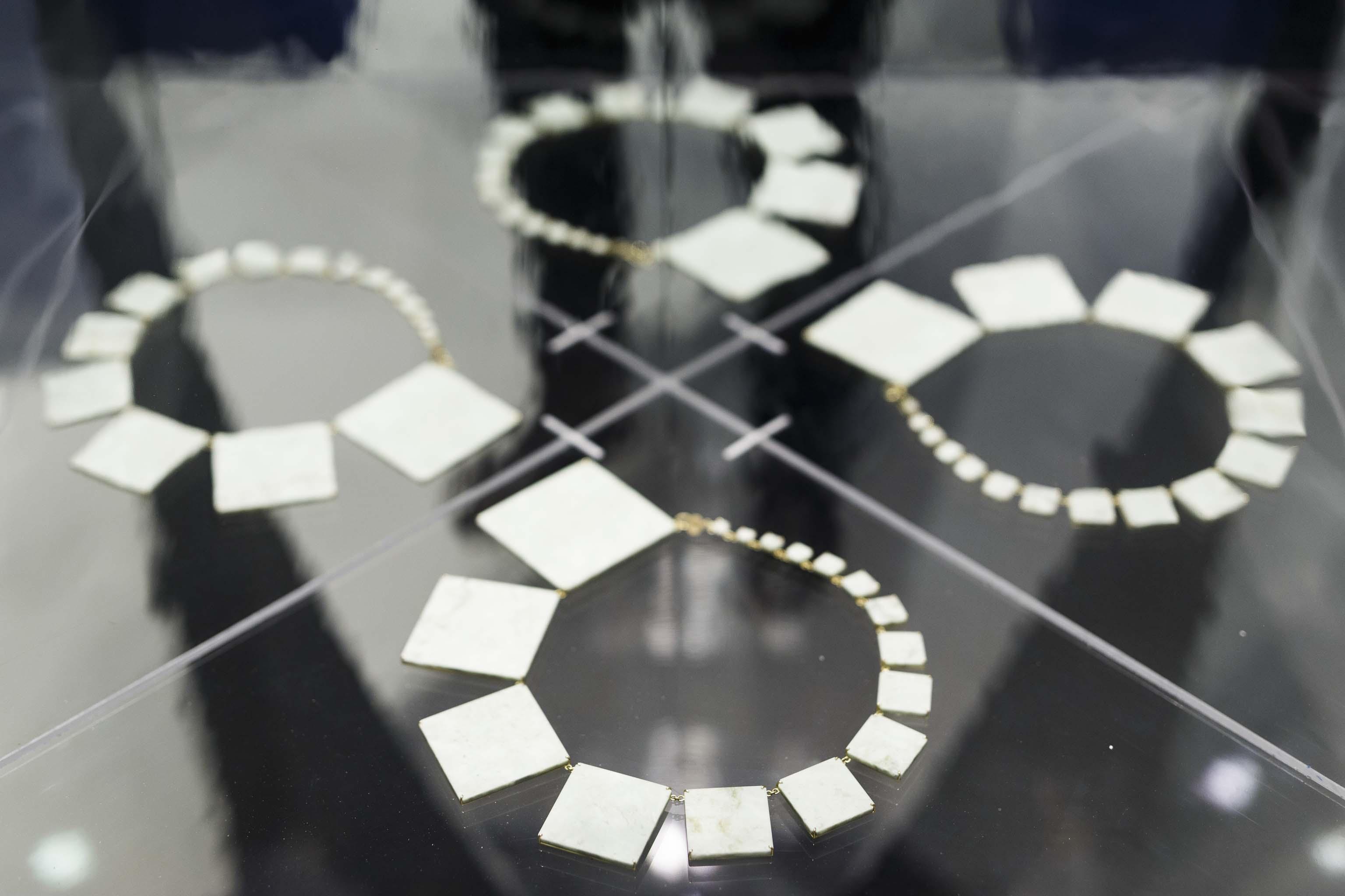 Maxxi - architettura - gioielli